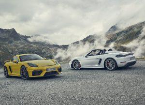 718 Spyder ve 718 Cayman GT 4