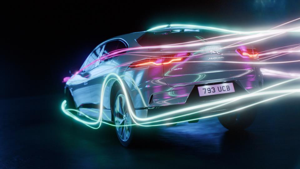 Elektrikli Jaguar XJ Geliyor