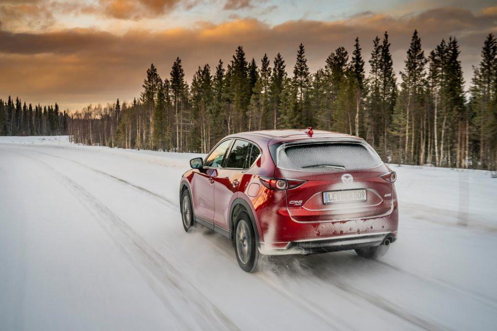 Mazda Nordkapp'a Yolculuk filmi.