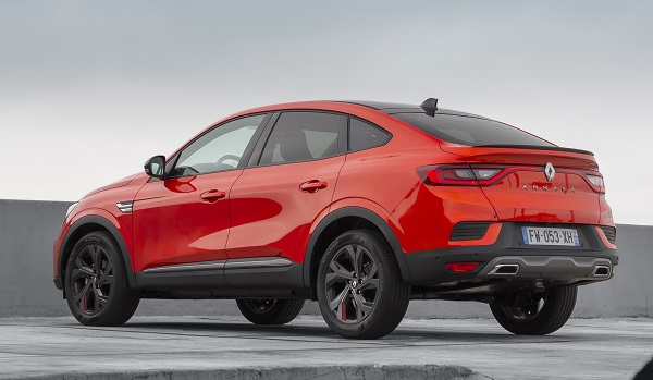2021 Renault Arkana fiyat listesi.