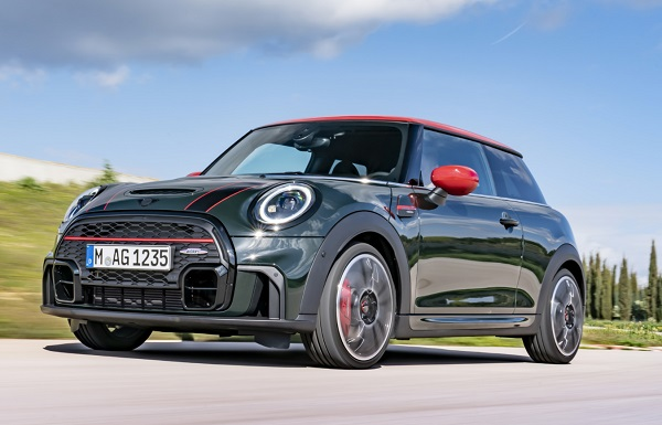 Yeni MINI John Cooper Works.