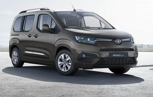 Hafif ticari araç fiyatları Toyota.
